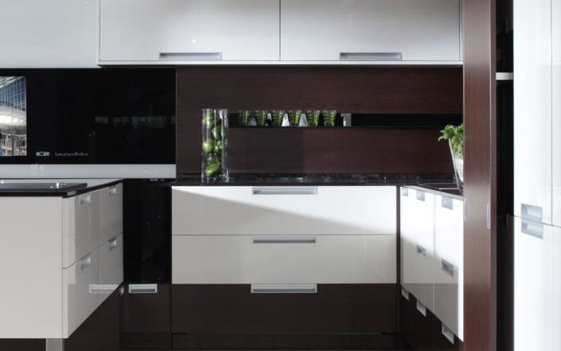 White Lacquered Kitchen - Rostock Style